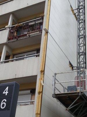 Immeuble d ela ville de Paris faisant l'objet d'une importante isolation par l'extérieur